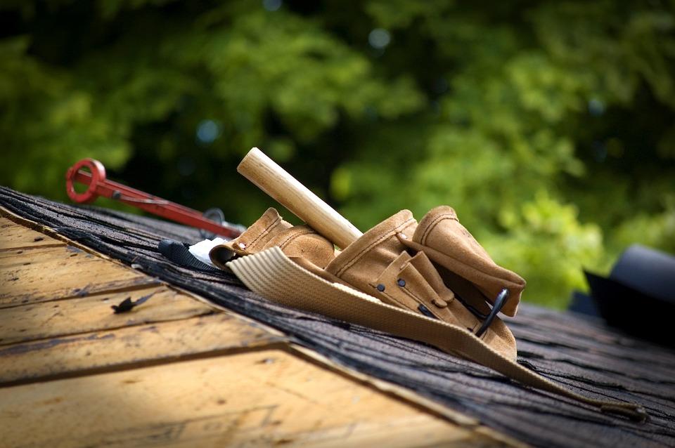 DIY Roofing vs Hiring a Professional